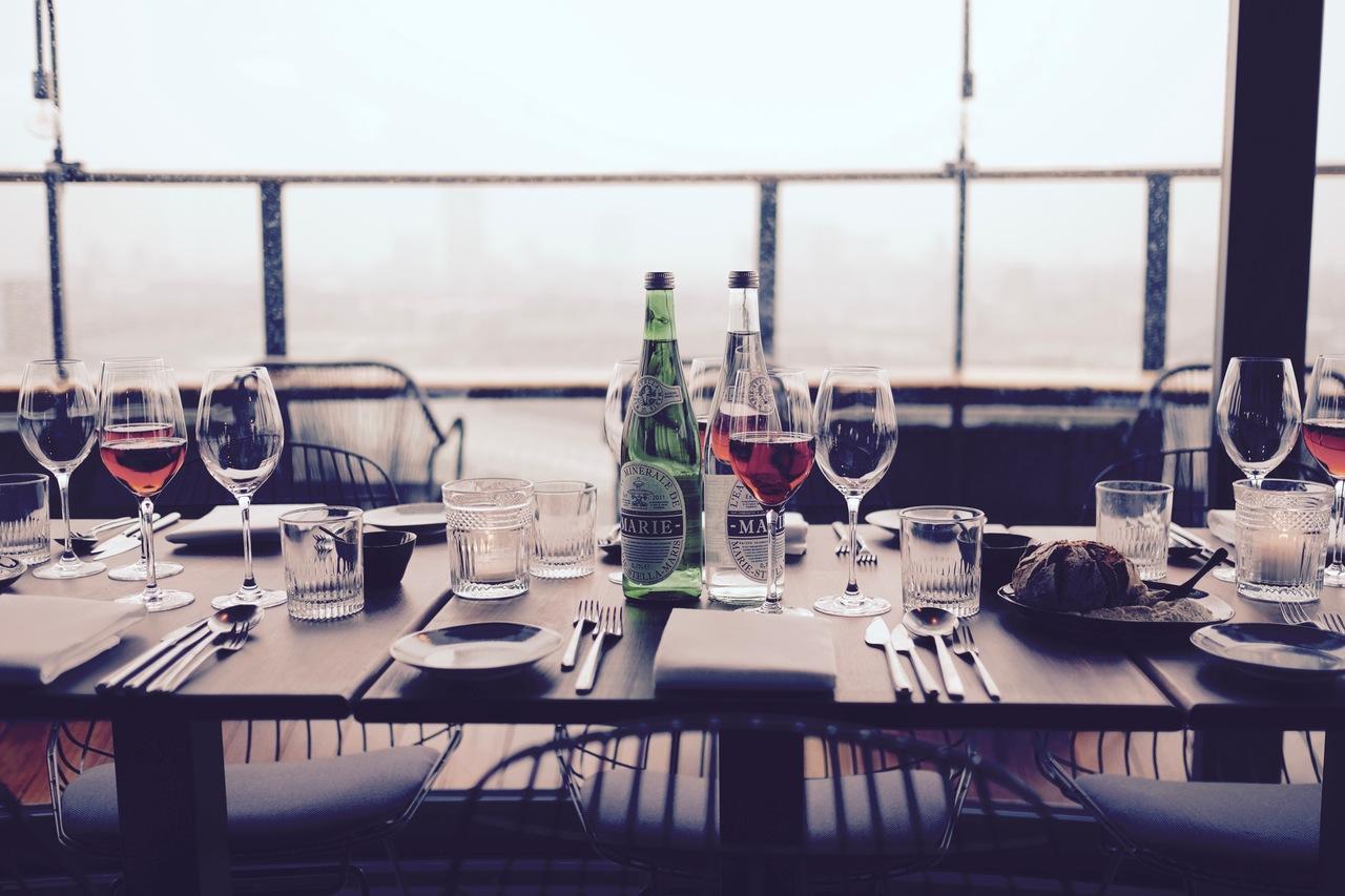 Zasady precedencji przy stole