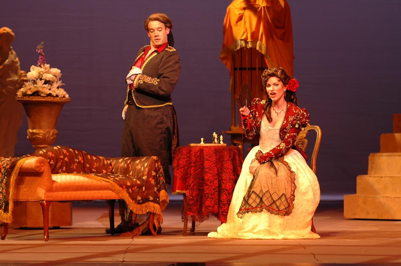 Jak się ubrać do teatru i filharmonii?