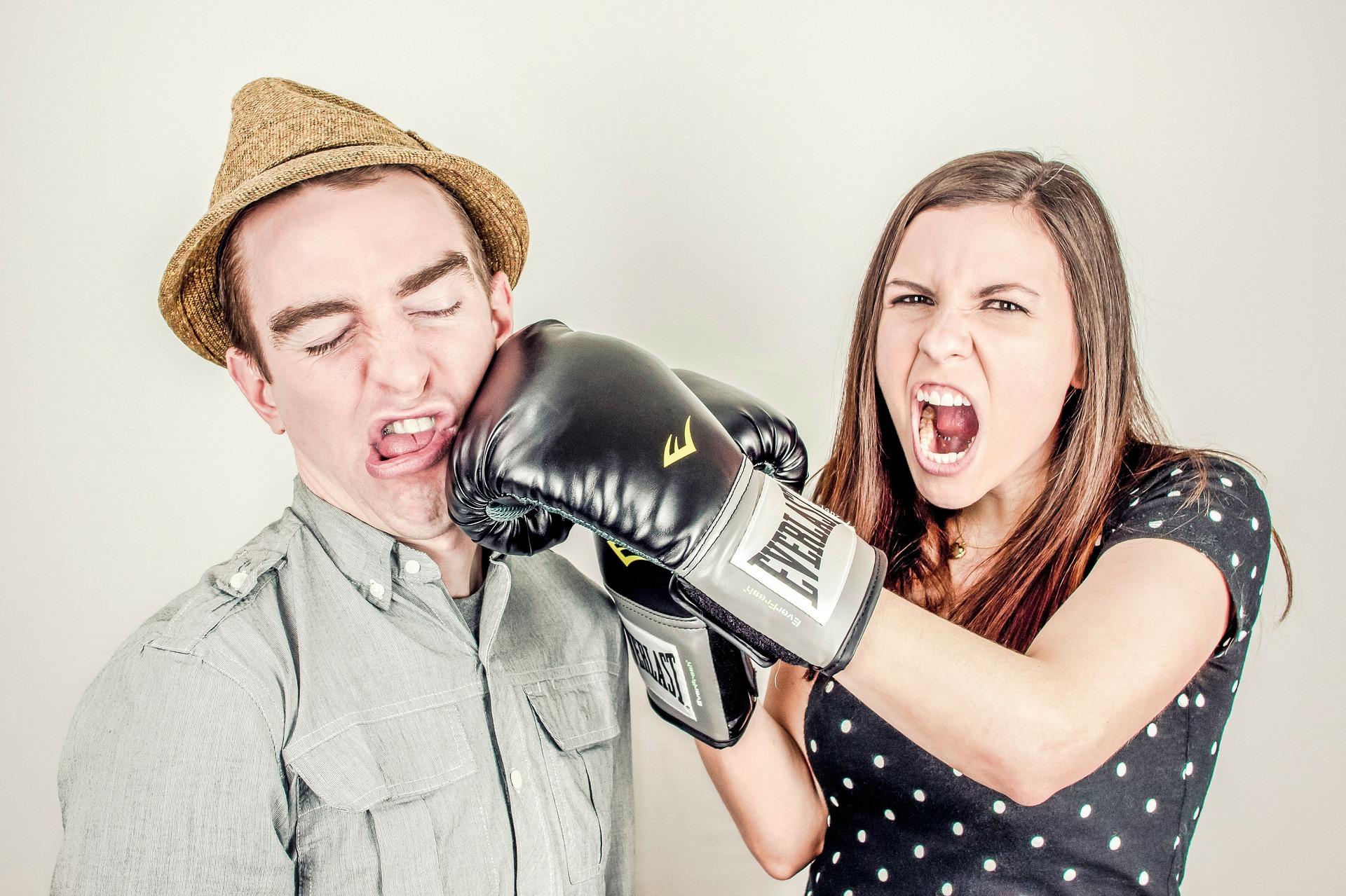 Jak reagować na chamstwo?