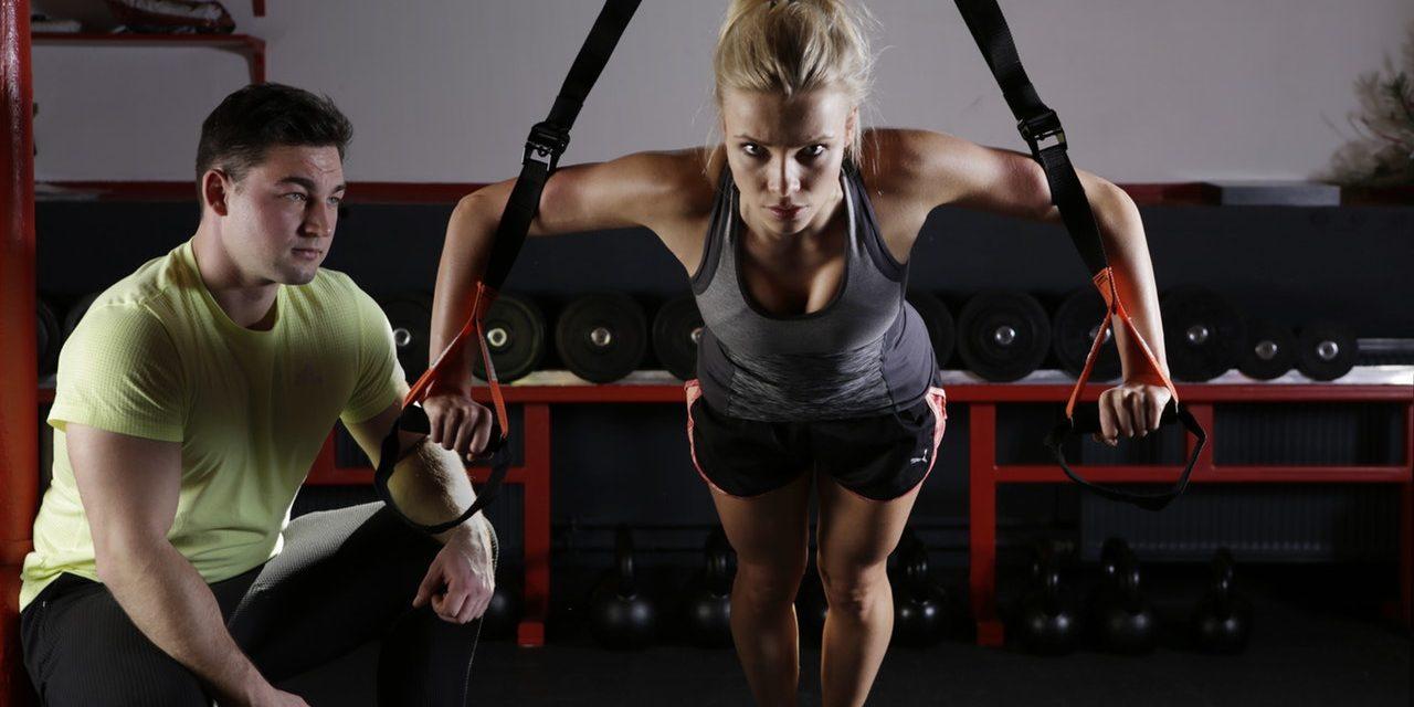 Jak zachować się na siłowni – poradnik