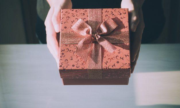 Jak wybrać prezent biznesowy?