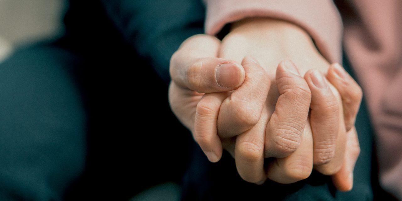 Jak się zachować przy kimś ciężko chorym?